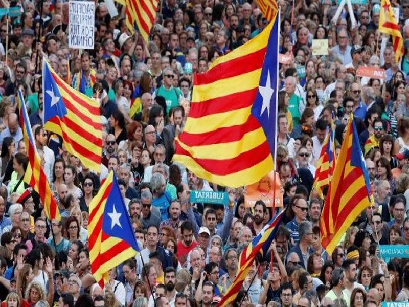西班牙審判加泰隆尼亞分離 20萬人上街抗議