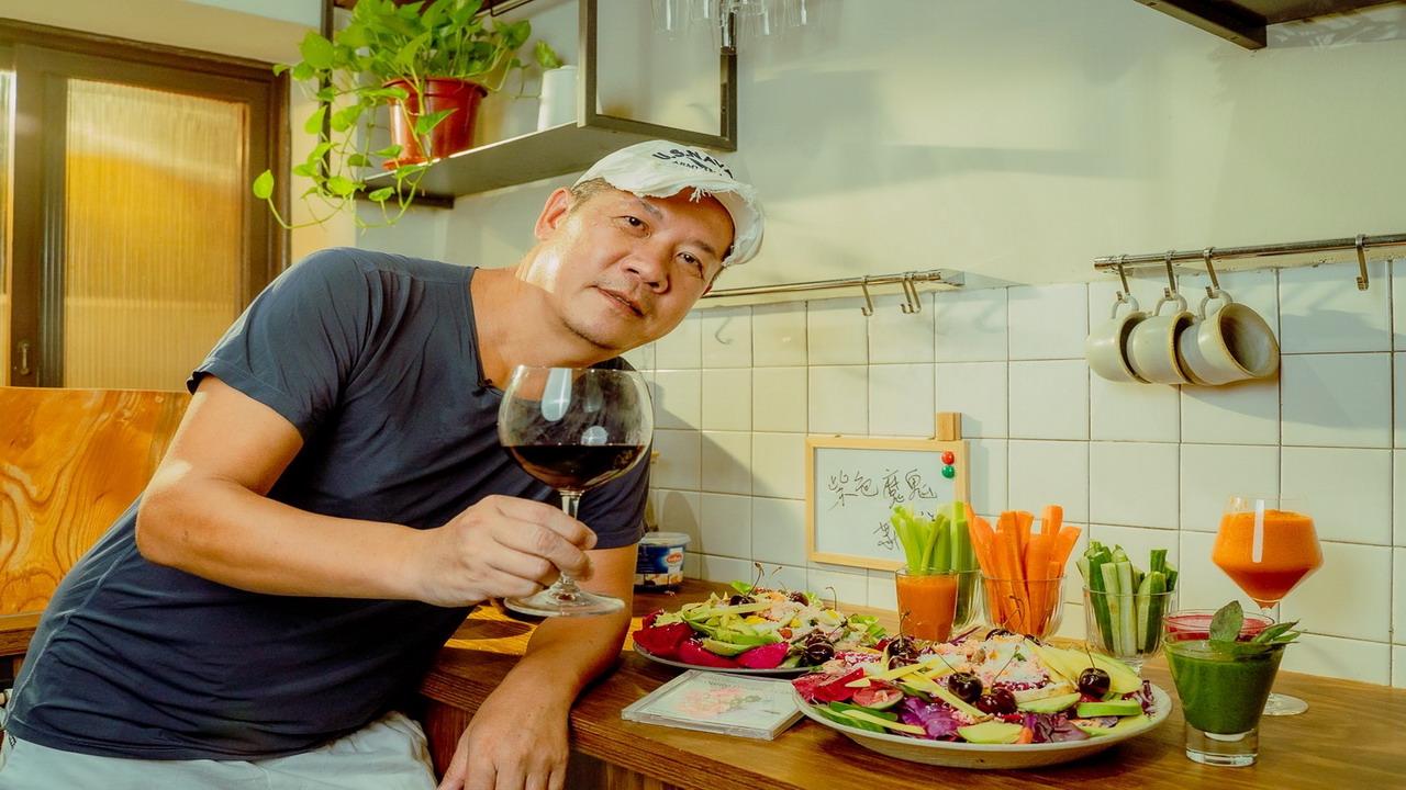 料理對決 金曲獎設計師蕭青陽「高雄設計節」單元較廚藝