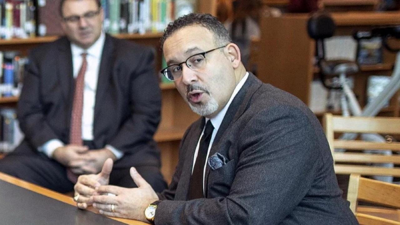 卡多納掌教育部 拜登將創史上最多拉丁美裔閣員紀錄