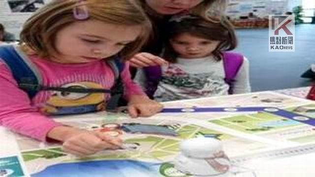 影/輕鬆編程 GoShow Robot兒童雙語編程機器人上市