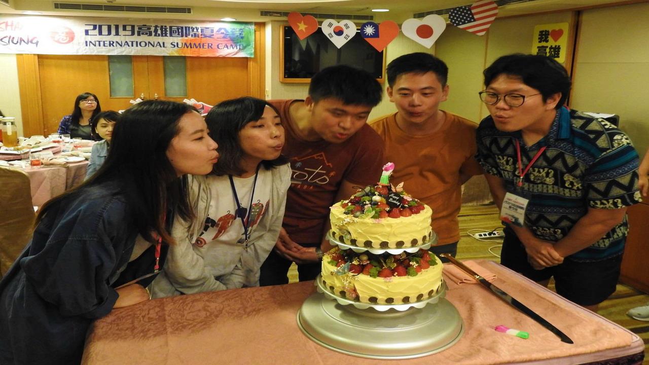 2019「高雄國際夏令營」帶領國際學生交朋友