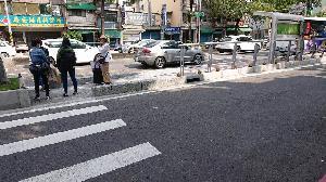 民族路分隔島候車環境改善 打造友善搭車品質