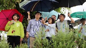 打造韌性城市 陳其邁赴十全滯洪池視察蓄水運作